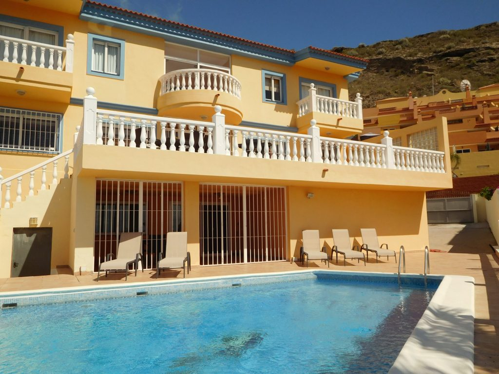 Tenerife south fantastic luxury villa reduced to sell